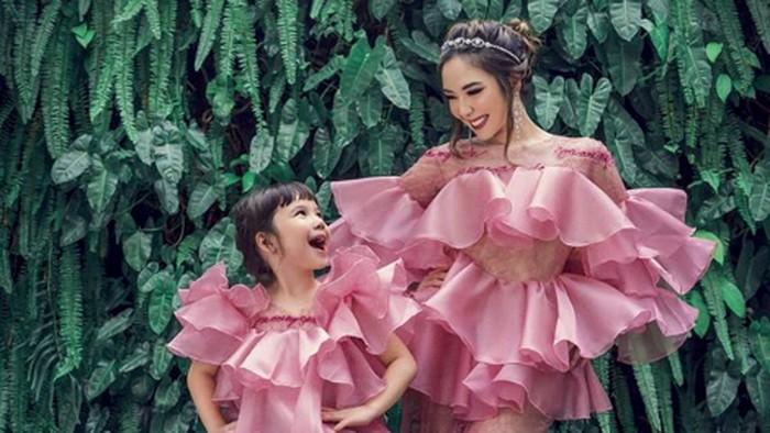 Gaun Mini Gisel yang Bikin Heboh, Netizen: Lebih Sopan Anaknya