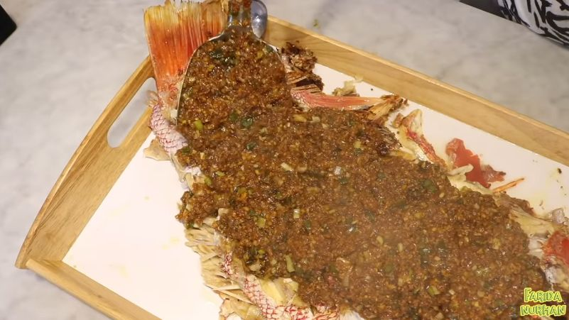 Farida Nurhan Mukbang Ikan Jumbo 7 Kilogram