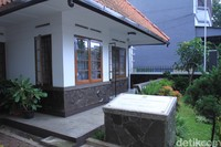 Seperti diketahui, rumah Inggit Garnasih dibangun Tahun 1920 lalu yang diarsiteki Gemeente Bandu.