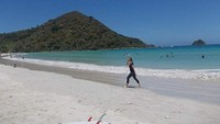 Foto: Pantai Selong Belanak yang Mempesona
