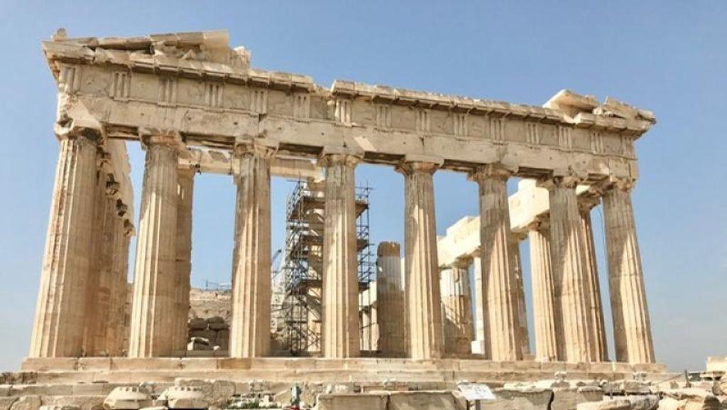Yunani Kembali Buka Pintu untuk Wisatawan Asing