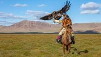 Sisi Lain Pemburu Mongolia: Keahliannya Datang Dari Negara Tetangga