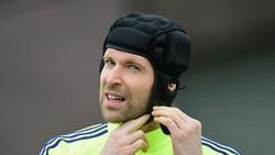 Petr Cech Turun Gunung Latih Kiper Chelsea
