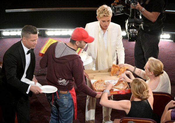 Seleb Hollywood Suka Pizza
