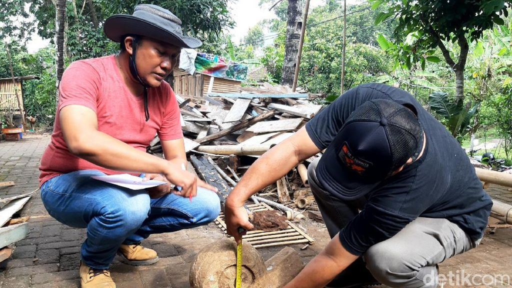 Cerita Petani di Ungaran Temukan Batu Candi Saat Mencangkul Kebun