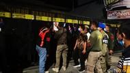 Tempat Karaoke di Surabaya Nekat Buka, 35 Orang Dites Urine dan Rapid Test