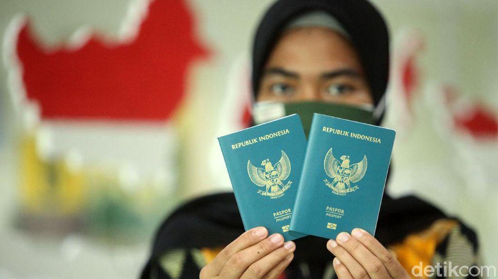 Sabar, Aturan Paspor 10 Tahun Belum Berlaku