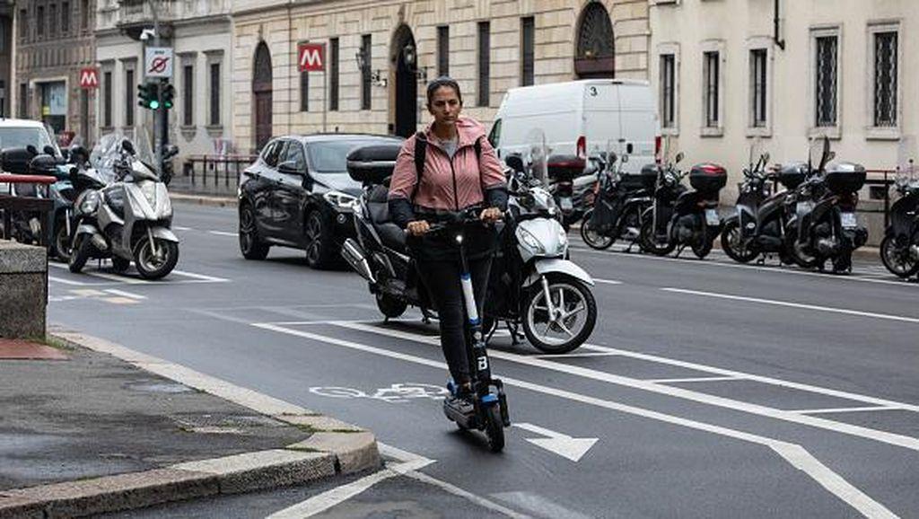 Sepeda dan Skuter Listrik Jadi Pilihan Warga Italia Cegah Penyebaran Corona