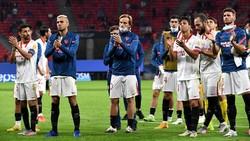 Sevilla Kalah dengan Kepala Tegak