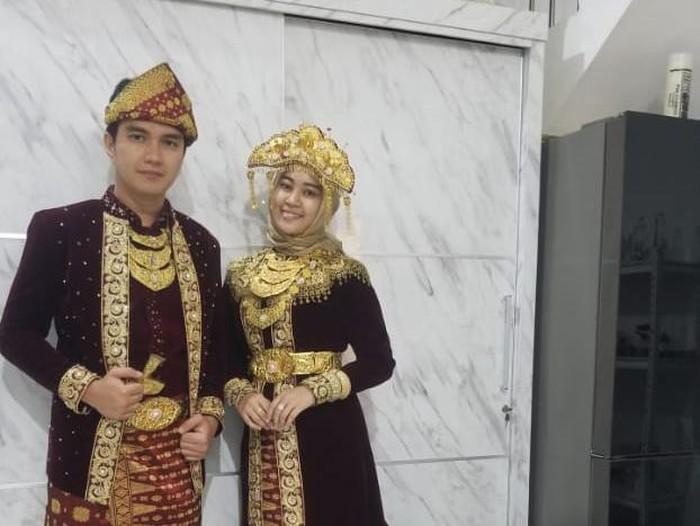 Aldi Taher Fitting Baju Nikah dengan Salsabilih