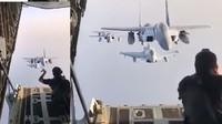 Gini Toh Pemotretan Formasi Pesawat Temput di Udara