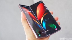 Samsung Galaxy Z Fold 2: Harga, Spesifikasi dan Desain