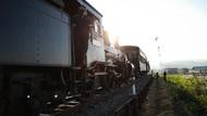 Ganjar Ajak Peserta Tour de Borobudur Naik Kereta Uap Bersejarah