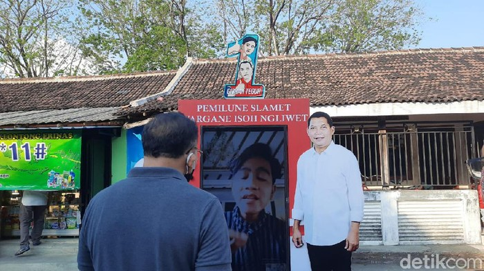Memulai masa kampanye, Calon Wali Kota (Cawalkot) Solo Gibran Rakabuming Raka melakukan blusukan virtual.