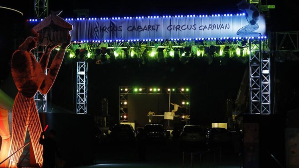 Tujuan sirkus ini adalah untuk memberikan hiburan bagi orang-orang selama wabah virus corona. AP Photo/Ahn Young-joon