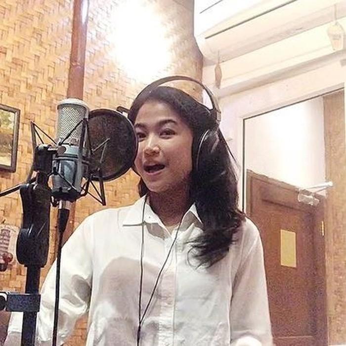 Putri Alida El Saud voice over artist yang  sempat viral tirukan suara awak kabin pesawat