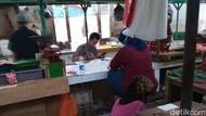 Masih Ada Pedagang Tak Pakai Masker di Pasar Gondangdia Jakpus