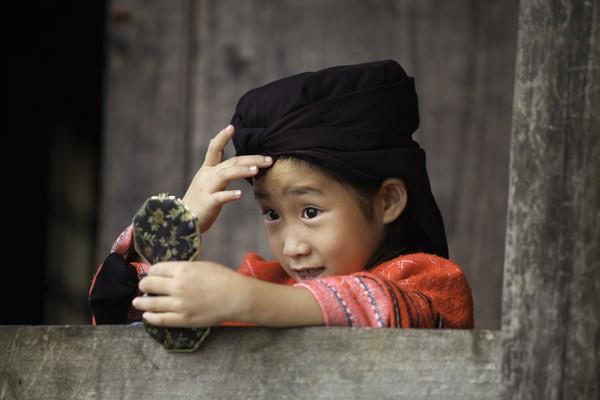 Sejak kecil mereka sudah diajarkan untuk merawat rambut. (Getty Images/iStockphoto)