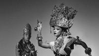 Foto Prewedding Terbaru Nikita Willy & Bos Blue Bird, Bak Raja & Ratu Lampung
