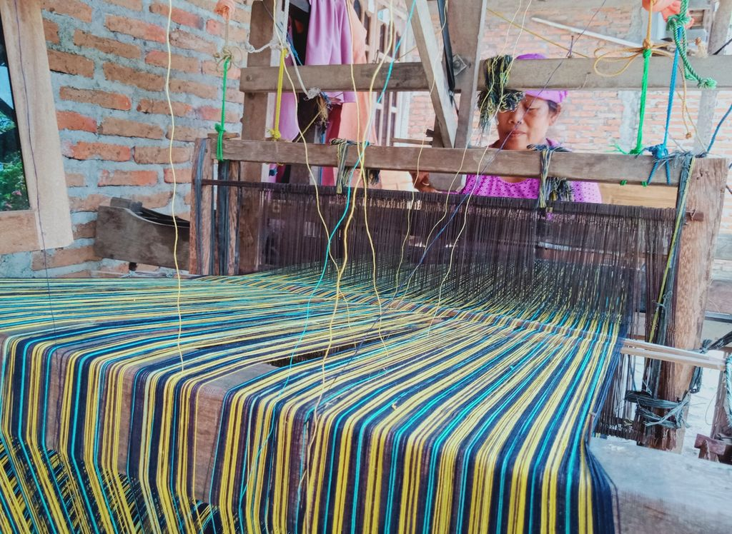 Perajin lurik tenun oglek di Desa Talang, Kecamatan Bayat