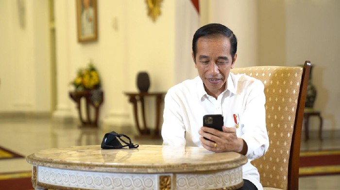 Presiden Jokowi video call dengan dokter paru, dr Faisal (Foto: Biro Pers Sekretariat Presiden)