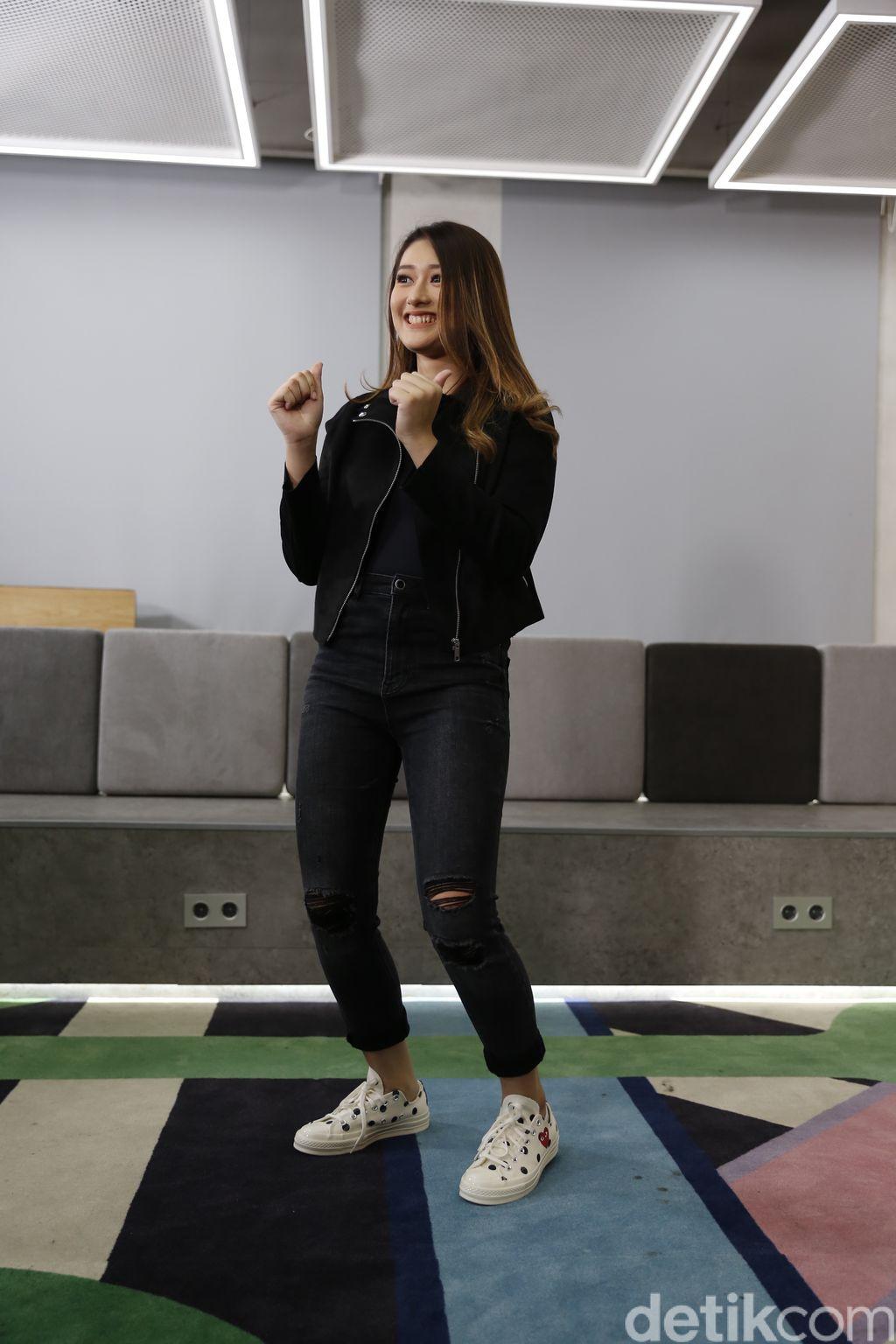 Amanda Caesa saat berkunjung ke kantor detikcom.