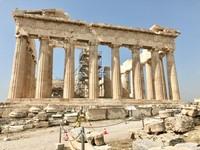 Tampak depan Parthenon yaitu kuil Dewi Athena. (Foto: Ristiyanti Handayani/dtraveler)