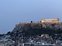 Kuil Parthenon yang berdiri di ketinggian Akropolis Athena saat senja. (Foto: Ristiyanti Handayani/dtraveler)