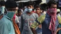 Krisis Corona di India Memburuk, Warga Kelabakan Tak Kebagian Bed di RS