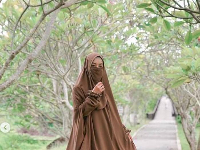 dinda hauw bicara soal hijrah