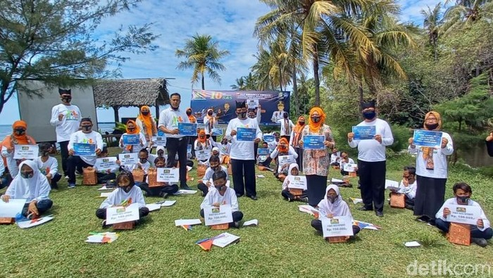siswa Banyuwangi Bantu 1.300 Teman Kurang Mampu di Tengah Pandemi