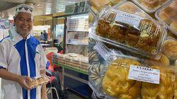 Jualan Roti Sambil Puji Sang Istri, Kakek Ini Jadi Viral