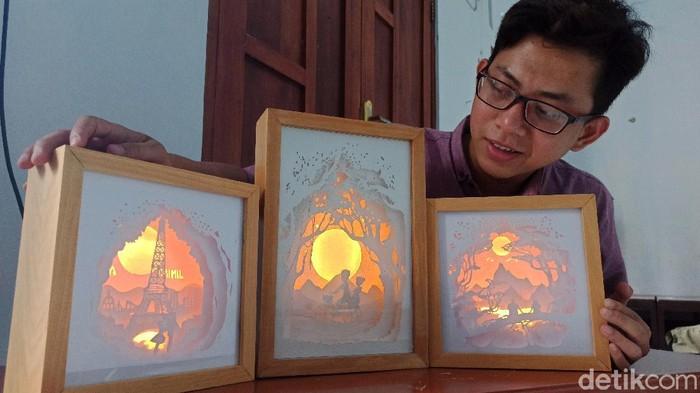Kreasi di Tengah Pandemi, Mahasiswa Tulungagung Buat Karya Shadow Box Light