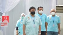 Kalung Purifier Menteri Airlangga Bukan Jimat Anti-Corona