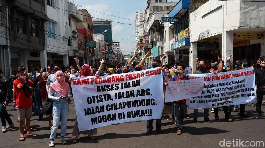 Pedagang Protes Jalan Ditutup, Walkot Bandung: Utamakan Kesehatan
