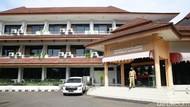 Kasus Aktif Melonjak, 5 Tempat Isolasi Pasien COVID di DKI Mulai Terisi