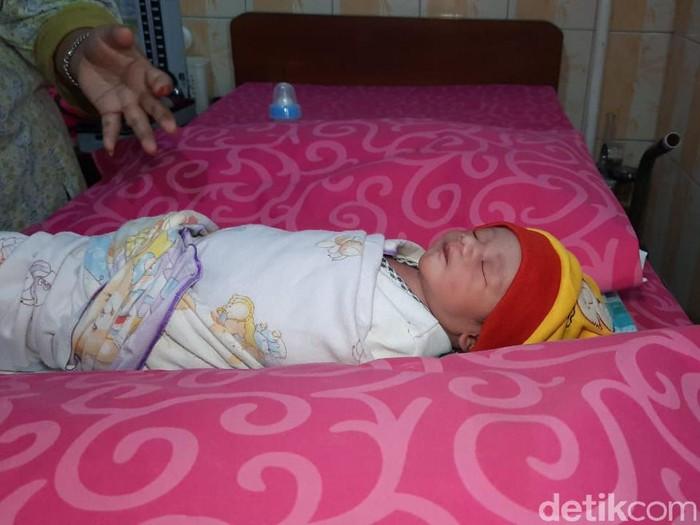 Sesosok bayi laki-laki dibuang dalam gorong-gorong di Boyolali. Bayi itu kini berada Desa Ngaru-aru, Kecamatan Banyudono, Boyolali, Senin (28/9/2020).