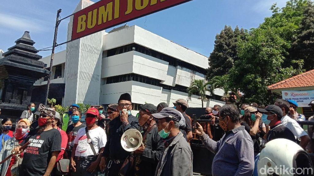 Momen Acara KAMI di Surabaya Diadang Koalisi Indonesia Tetap Aman