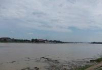Luasnya Sungai Batanghari Jambi. (Foto: Lena Ellitan/dtraveler)