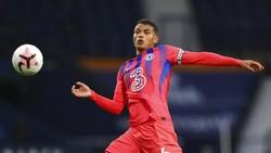 Thiago Silva Belum Lancar Bahasa Inggris, Kok Jadi Kapten sih?