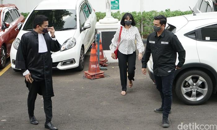 Vanessa Angel dan Bibi Ardiansyah saat ditemui di PN Jakarta Barat.