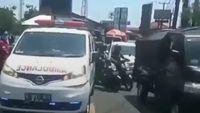 Ambulans Tak Dapat Jalan Akhirnya Dibantu Komunitas Motor, Peran Polisi di Mana?