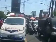 Viral Oknum Satpol PP Halangi-Tabrak Ambulans di Bogor, Ini Kata Polisi