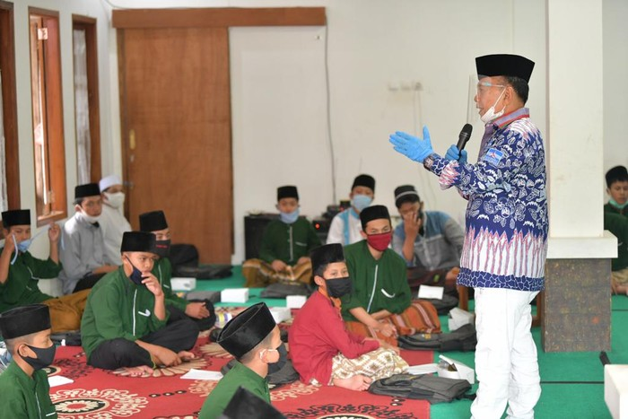 Wakil Ketua MPR Syarief Hasan sosialisasi 4 pilar di Pondok Pesantren Darul Falah Cianjur