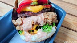 Woodfire : Yummy! Setangkup Burger Berisi Beef Patty dan Brisket yang Juicy