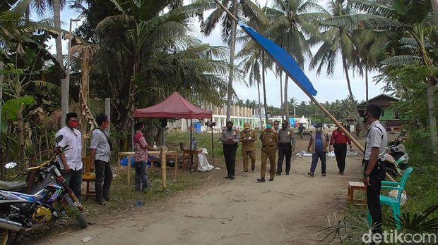 Dinkes Sulawesi Barat tinjau Pondok Pesantren Salafiyah Parappe, Kecamatan Campalagian, Kabupaten Polewali Mandar, Sulawesi Barat.