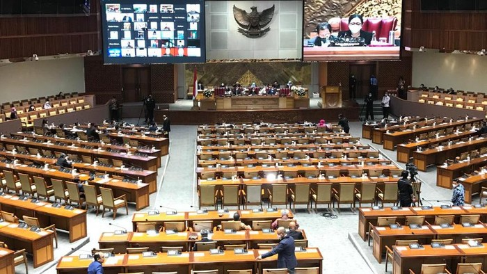 DPR RI menggelar rapat paripurna pengambilan keputusan soal RUU tentang APBN Tahun Anggaran 2021