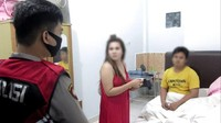 Diperiksa Polisi, Pasangan Mesum Ngaku Tante-Ponakan Tak Ada Hubungan Saudara