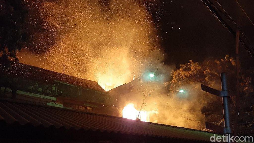 Ruko Penjual Kerupuk di Pasar Baru Kota Probolinggo Terbakar