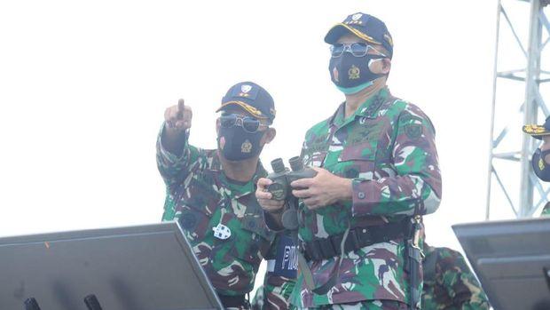 latihan tempur tni au, latihan perang tni al, ksau marsekal Fadjar Prasetyo, simulasi pesawat tni au meroket daratan, air combat manuver, dog fight